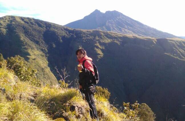 Jaya on the trek to Rinjani