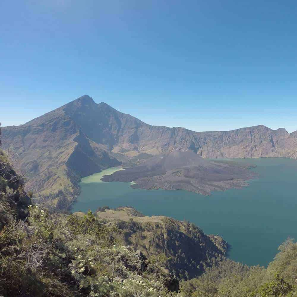 4D-3N Trekking to The Lake and Summit Rinjani