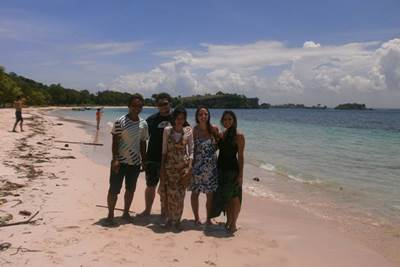 Pink Beach Lombok Tour